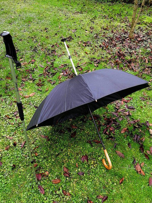 palice odprta 600x800 - Pohodniška palica z dežnikom